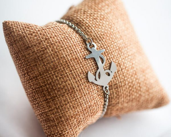 anchor bracelet with chain