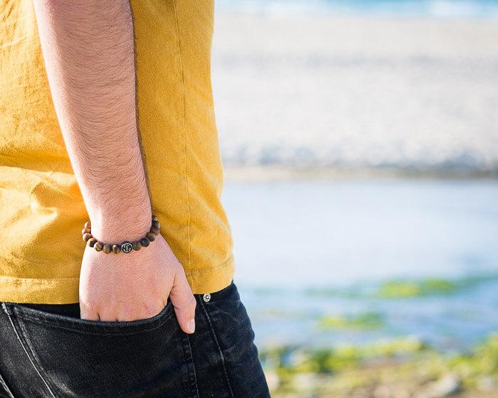 beaded anchor bracelet